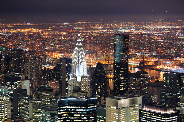The Chrysler Building de noche.